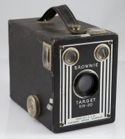 Kodak Brownie Target SIX-20 Box Camera