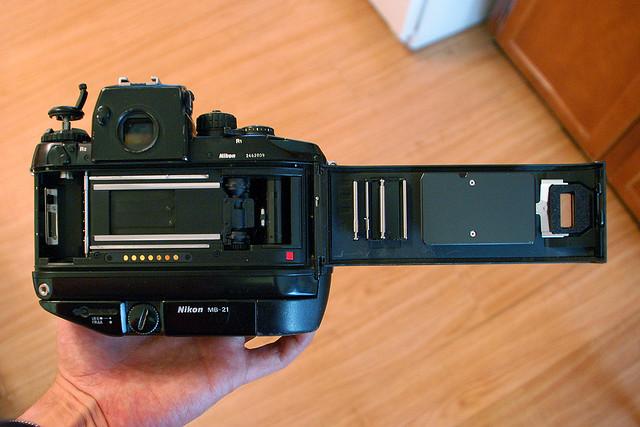 Derek's Nikon F4s - open back